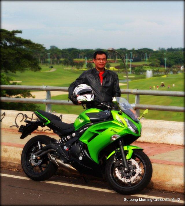 background lapangan golf BSD