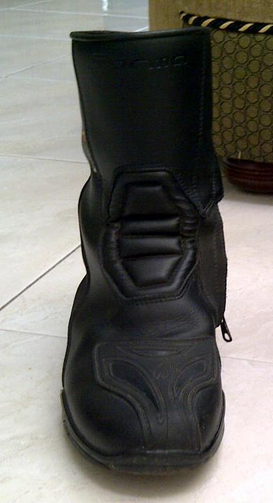 Sepatu riding 3
