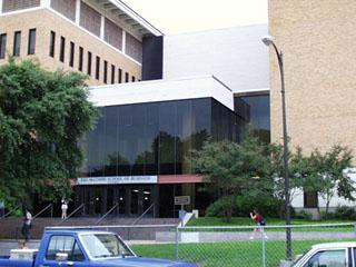 Business School building, di tahun2 terakhir kuliah tiap hari mesti ke sini