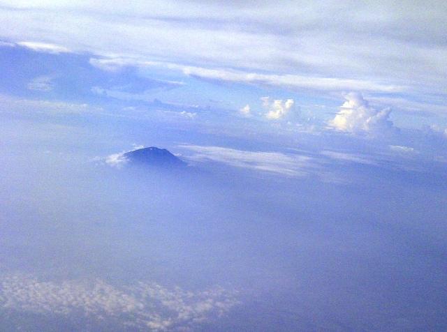 gunung yg sama, saya foto hanya setelah sedikit melewatinya.