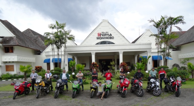 in front yard of Kresna Hotel