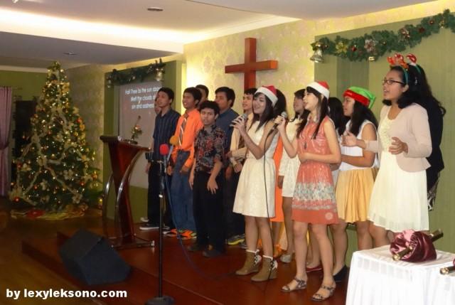 """my daughter & her teen's group singing """"joyful-joyful"""""""