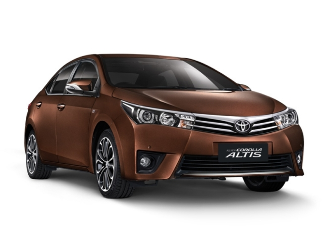new-corola-altis-exterior-front-brown