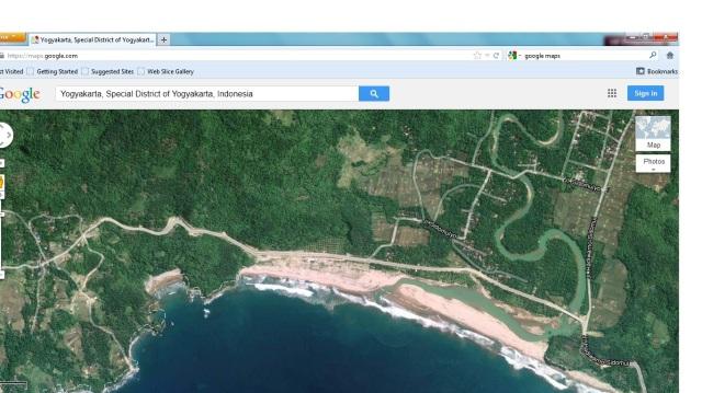 Dari google maps ini lokasi pantainya