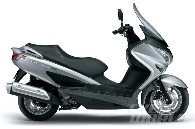 2014-Suzuki-Burgman-200-3