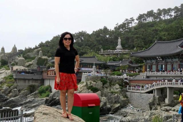 Tempat foto favorit dg latar belakang kuil