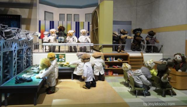 Ini para ilmuwan Teddy Bear sedang meneliti fosil
