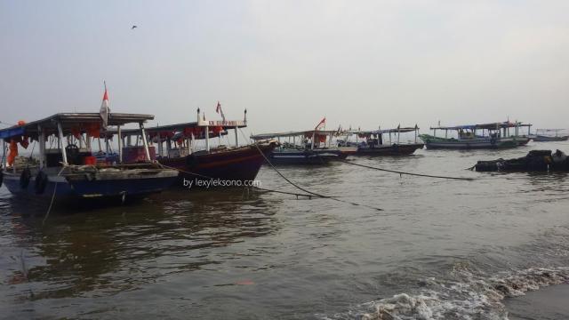 Tempat penyebrangan Tanjung Pasir