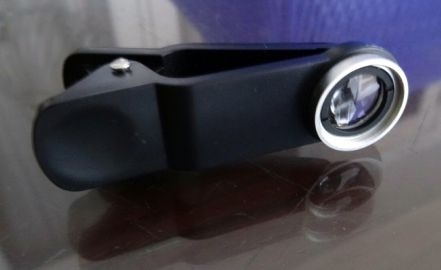 Ini dia lensa makro model jepit yang saya gunakan utk menghasilkan foto makro.