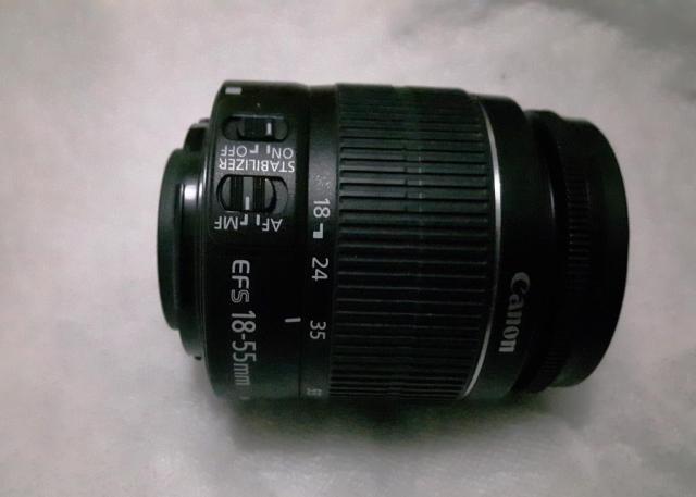 Lensa kit Canon 18-55mm bawaan kamera EOS 600D saya