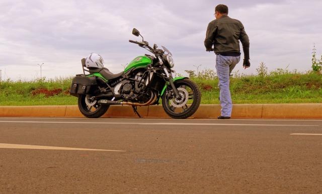 Saya dan Kawasaki Vulcan S kesayangan.