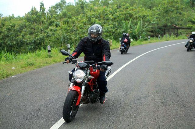 Bro Nilo sahabat Hotour dg Ducati Monster nya
