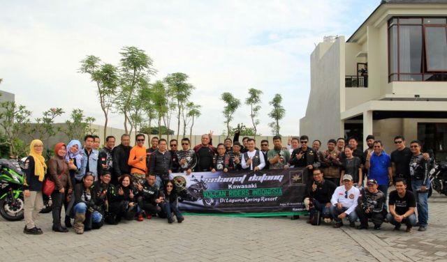 Foto bersama di Laguna Spring Resort Jogjakarta