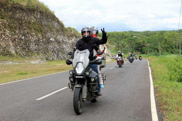 bro Ossy dengan KTM 1200 adventure nya