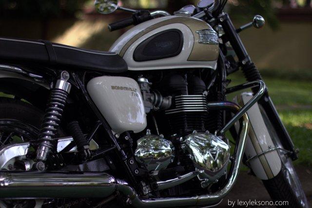 Mesin Triumph Benneville T100 walau terlihat jadul tetapi sebenarnya modern