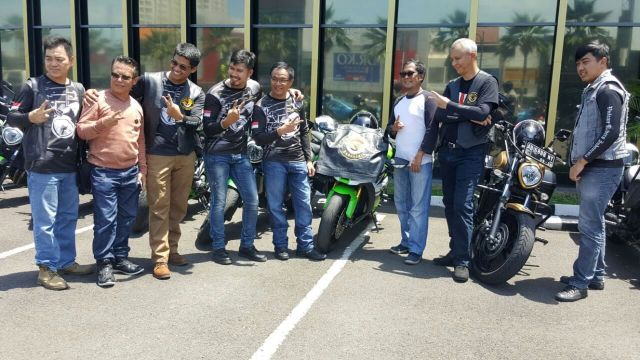 Sebagian member dari Vulcan Riders Indonesia